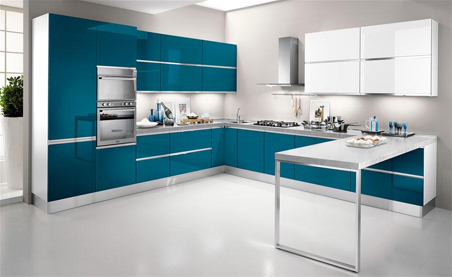 Modello di cucina verde petrolio moderna n.10