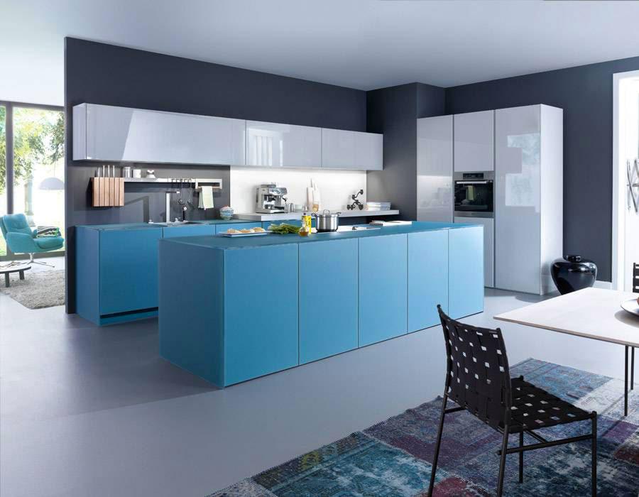 Pareti blu per cucine moderne 02