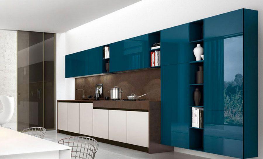 Modello di cucina verde petrolio e legno n.01