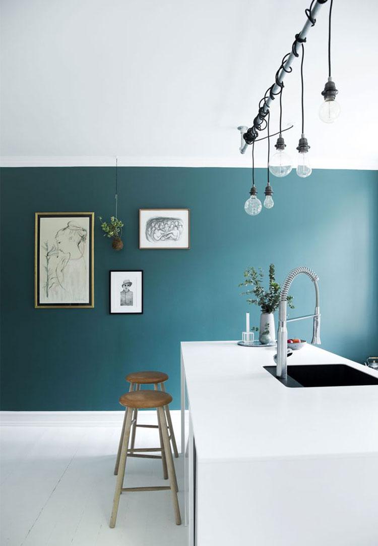 Modello di cucina con pareti verde petrolio n.03
