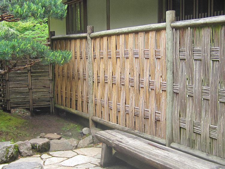 Idee per recinzioni in bambù intrecciato n.02