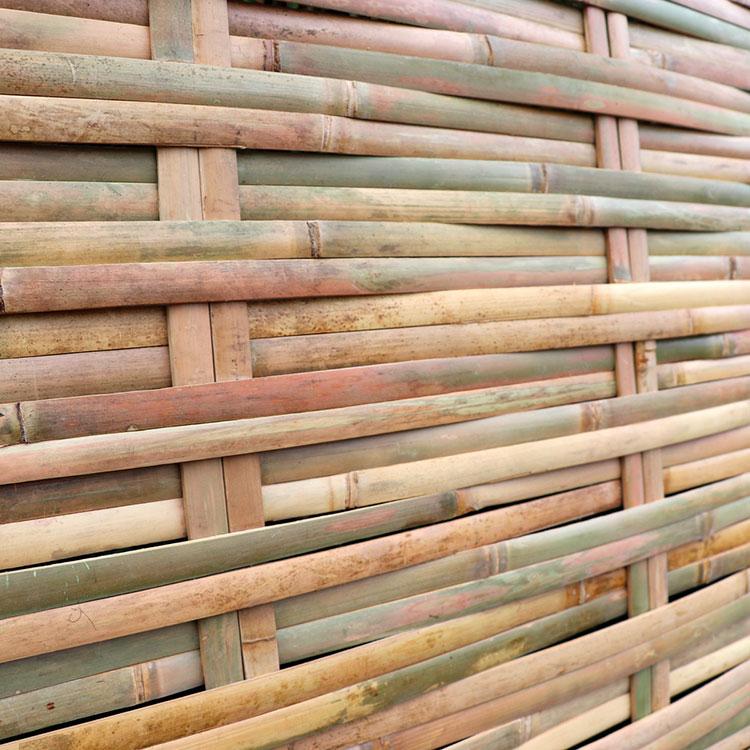 Idee per recinzioni in bambù intrecciato n.04