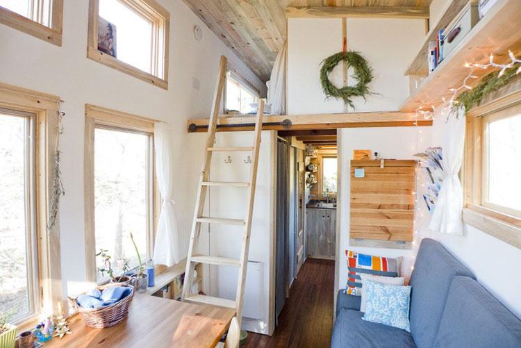 Modello di casa mobile su ruote realizzata in legno n.04