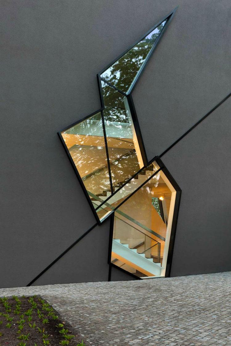 Progetto di finestre moderne per case da sogno n.13