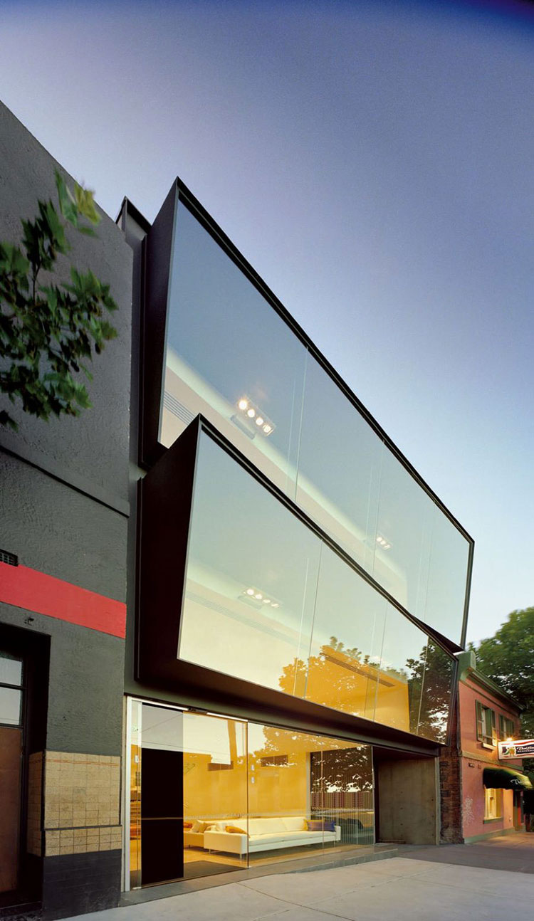 Progetto di finestre moderne per case da sogno n.29