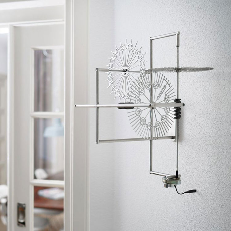 Orologio da parete dal design minimal n.05