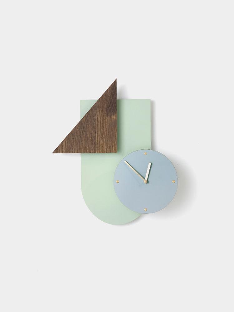 Orologio da parete dal design minimal n.16