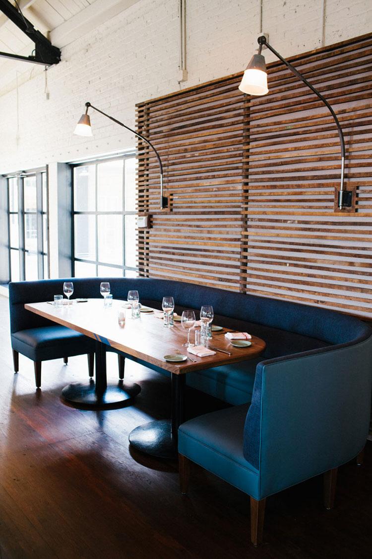 Idee di arredo per la scelta di panche e sedie per la sala da pranzo n.23