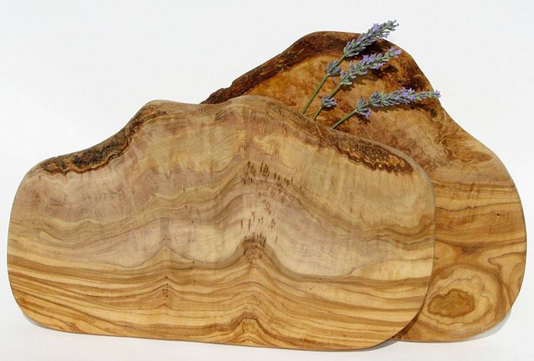 Tagliere in legno di ulivo dal design particolare n.03