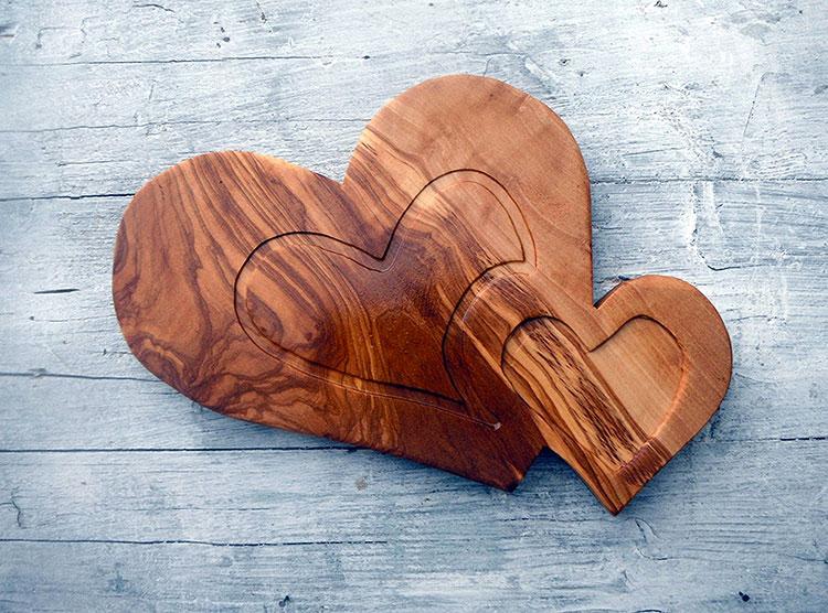 Tagliere in legno di ulivo dal design particolare n.19