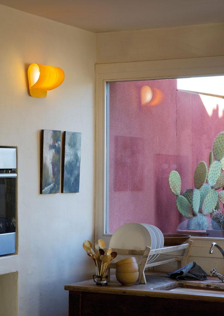 Modello di applique da parete per interni dal design originale n.05