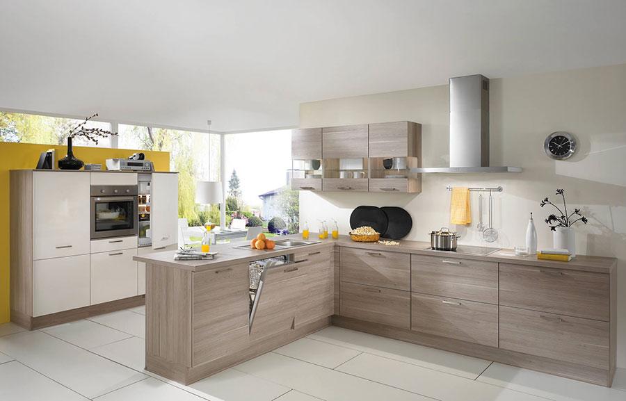 Modello di cucina moderna in legno n.07