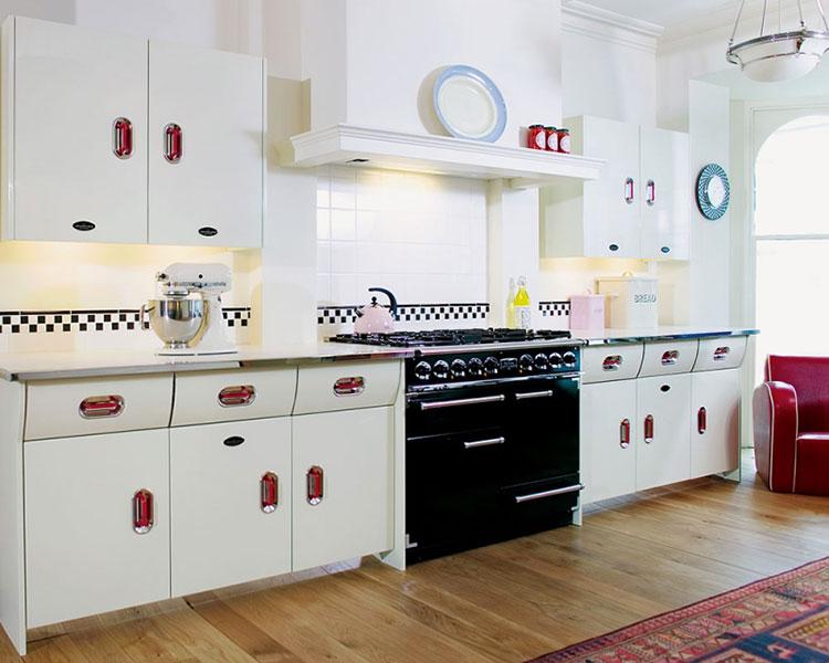 Modello di cucina vintage in stile anni '50 n.19