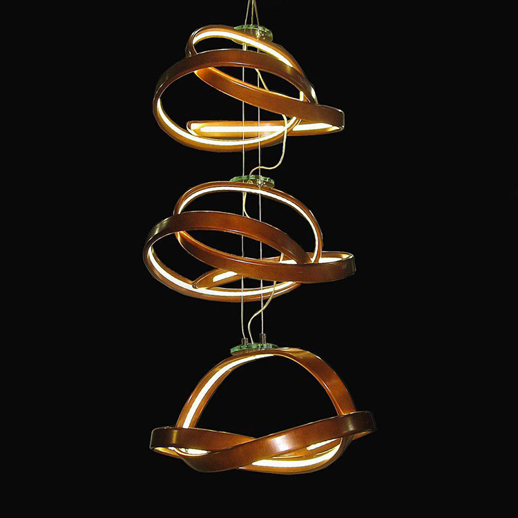 Modello di lampadario in legno moderno dal design contemporaneo n.02