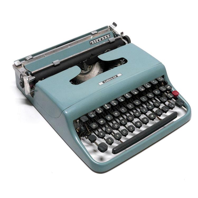 Macchina da scrivere Olivetti Lettera22
