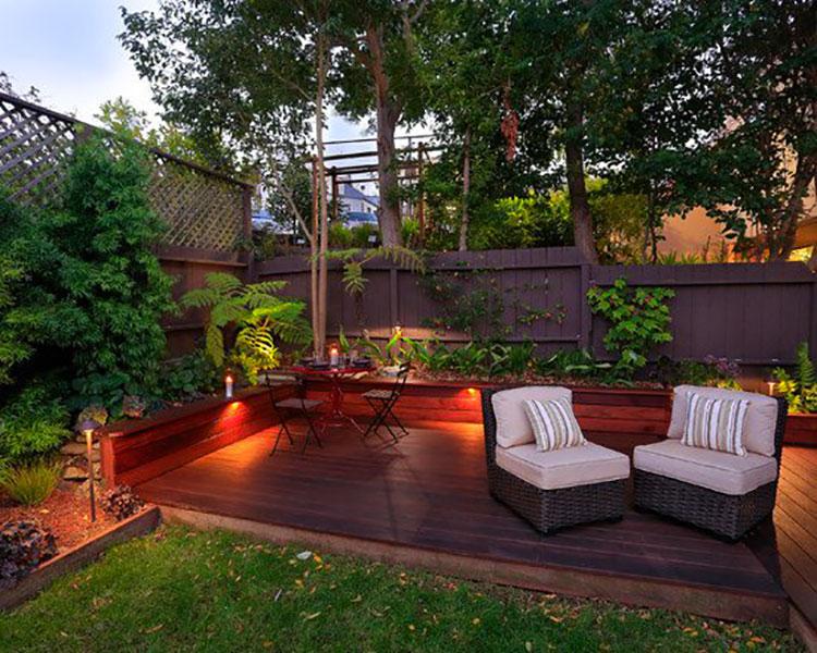 Idea per arredare un piccolo giardino con elementi di design n.02