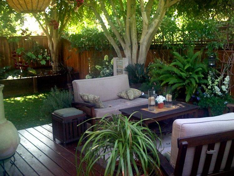 Idea per arredare un piccolo giardino con elementi di design n.17
