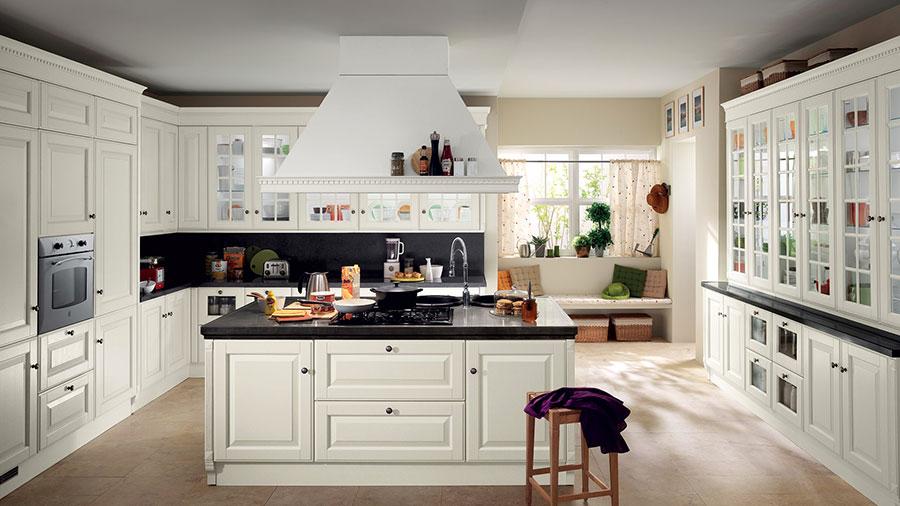 Modello di cucina classica bianca n.17