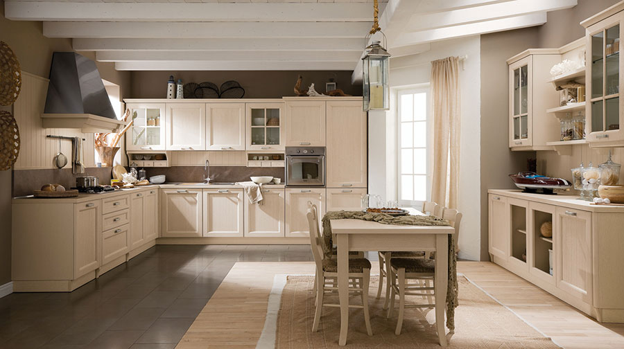 Cucina classica bianca mattina in cucina classica bianca alla