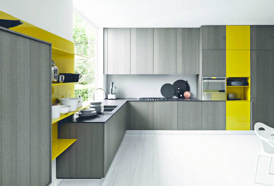 Idee per arredare una cucina grigia e gialla n.04