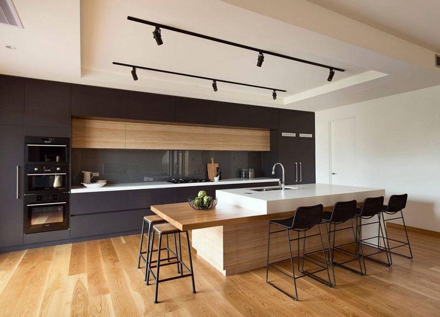 Idee per arredare una cucina grigia e legno n.07