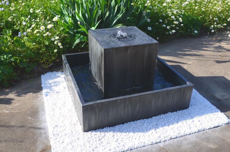Modello di fontana da giardino dal design originale n.04