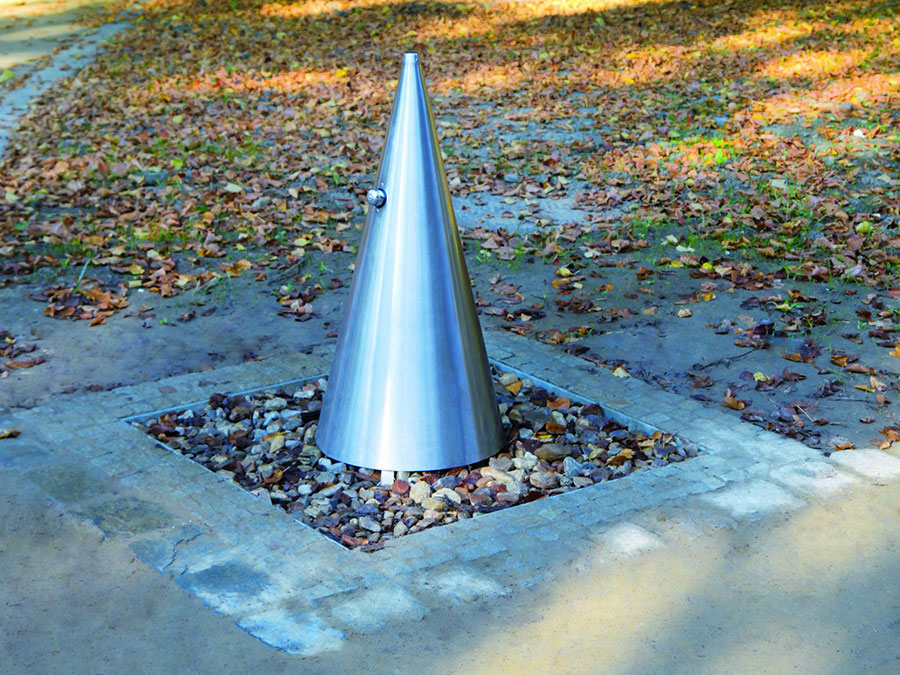 Modello di fontana da giardino in acciaio moderna 01
