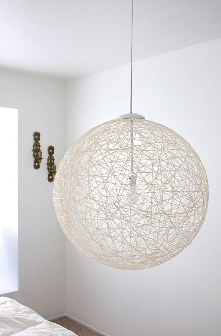 Lampadari fai da te 20 idee semplici dal design originale for Ikea lampadario camera