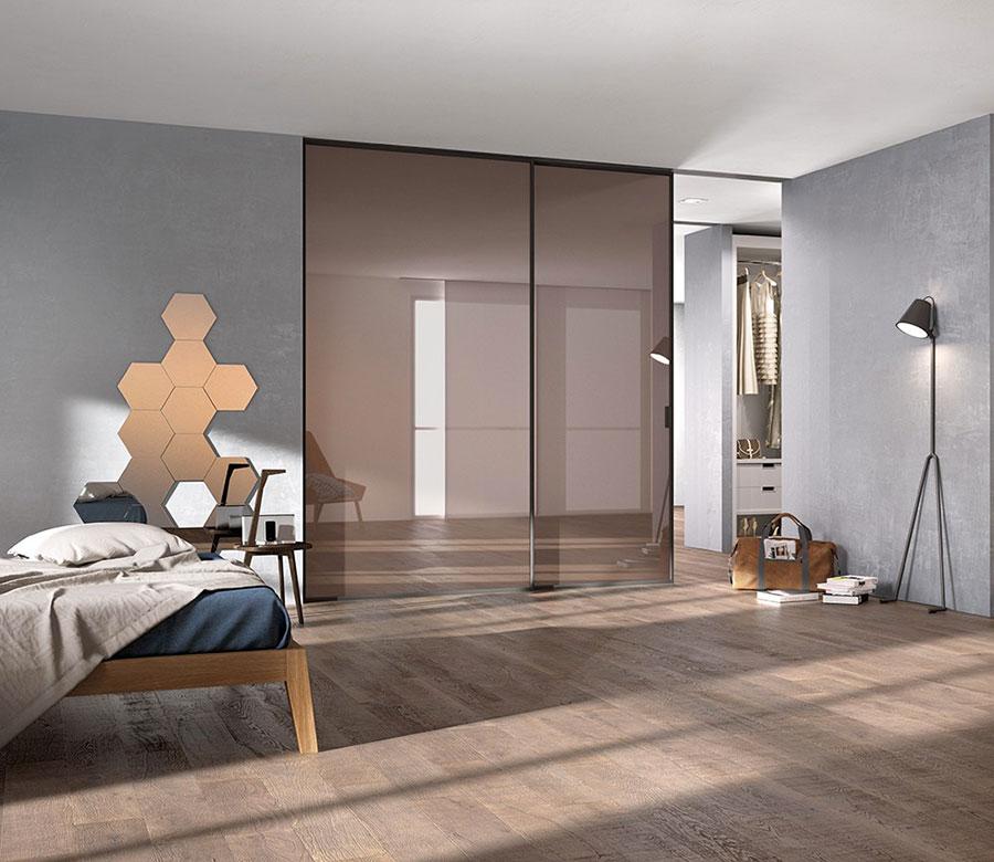 Modello di parete divisoria scorrevole in vetro per abitazioni n.12