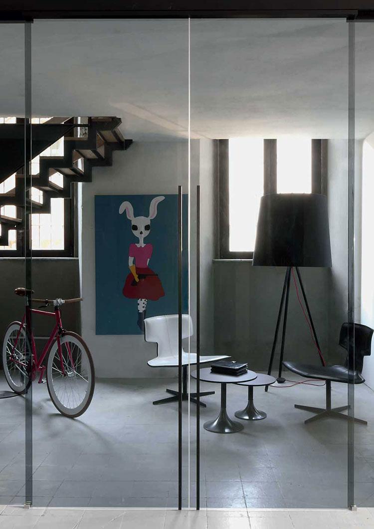Modello di parete divisoria scorrevole in vetro per abitazioni n.18