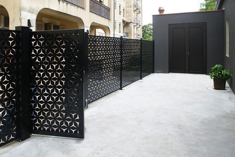 Recinzione metallica decorativa dal design innovativo n.02