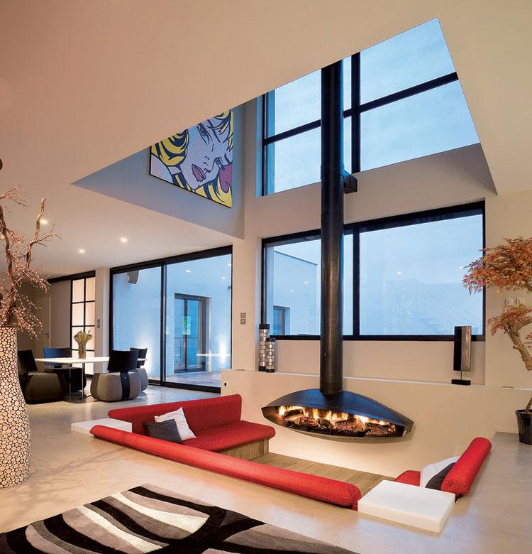 Idee per arredare un salotto con camino dal design moderno n.09