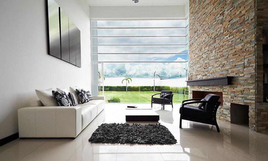 Idee per arredare un salotto con camino dal design moderno n.17
