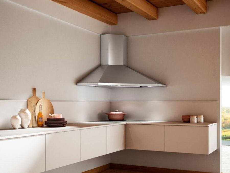 Modello di cappa per cucina moderna ad angolo n.03