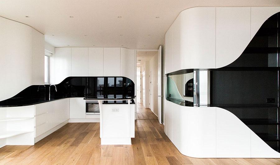 Modello di cucina bianca e nera di design n.13
