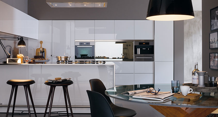 Modello di cucina bianca moderna n.09