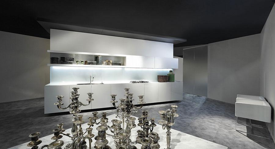 Modello di cucina bianca moderna n.18