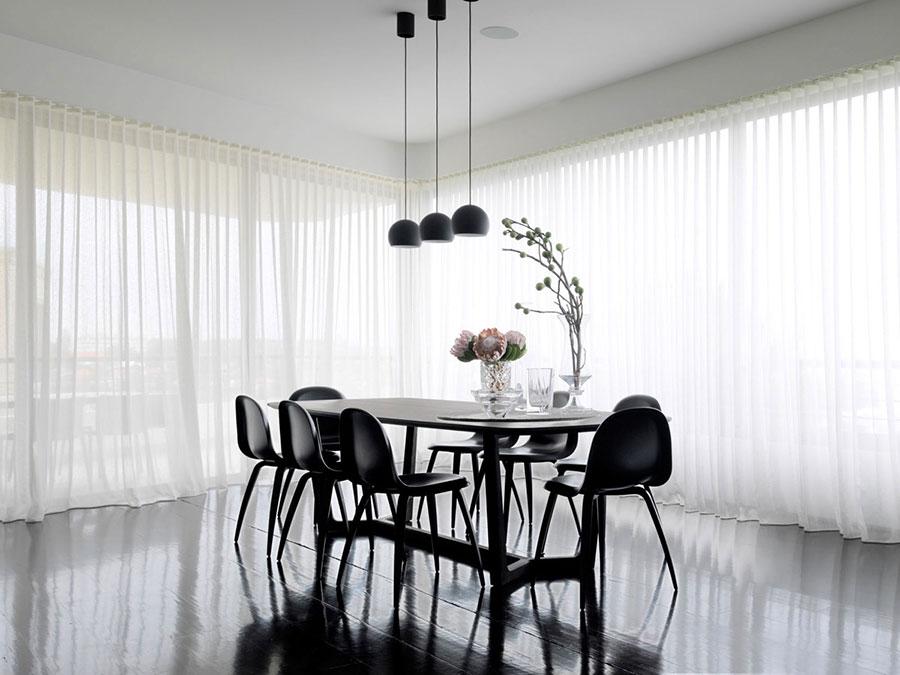 Sala da pranzo bianca e nera 25 idee per un arredamento for Arredamenti sala da pranzo