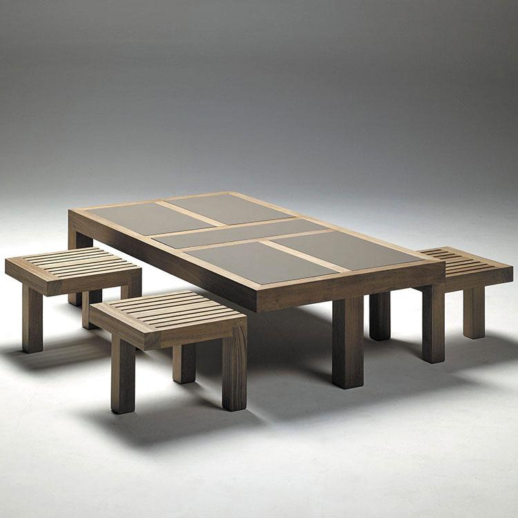 Set tavolo e sedie da giardino dal design particolare n.01