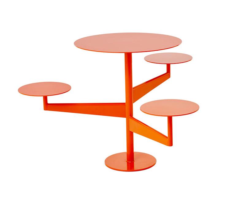 Set tavolo e sedie da giardino dal design particolare n.04