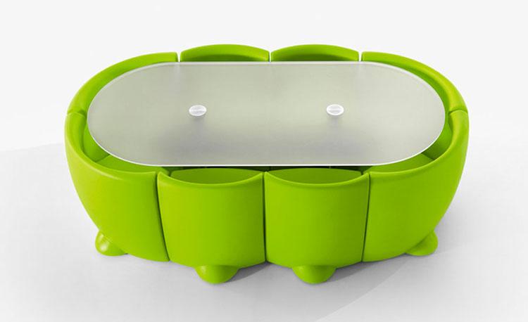 Set tavolo e sedie da giardino dal design particolare n.14