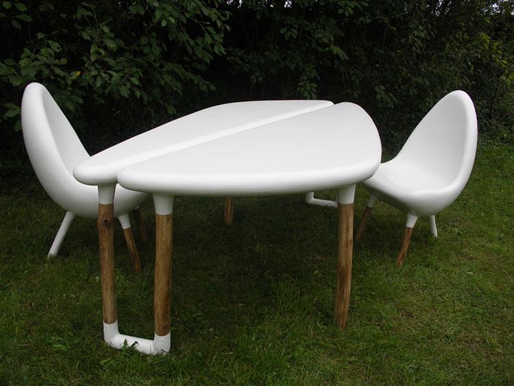 Set tavolo e sedie da giardino dal design particolare n.20