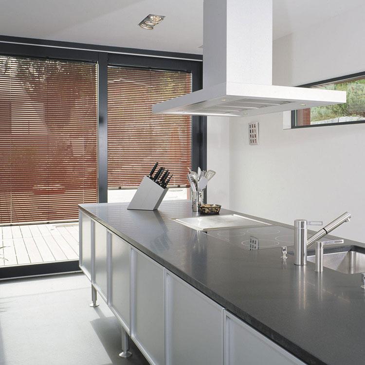 idee per tende da cucina moderne di vari modelli. Black Bedroom Furniture Sets. Home Design Ideas
