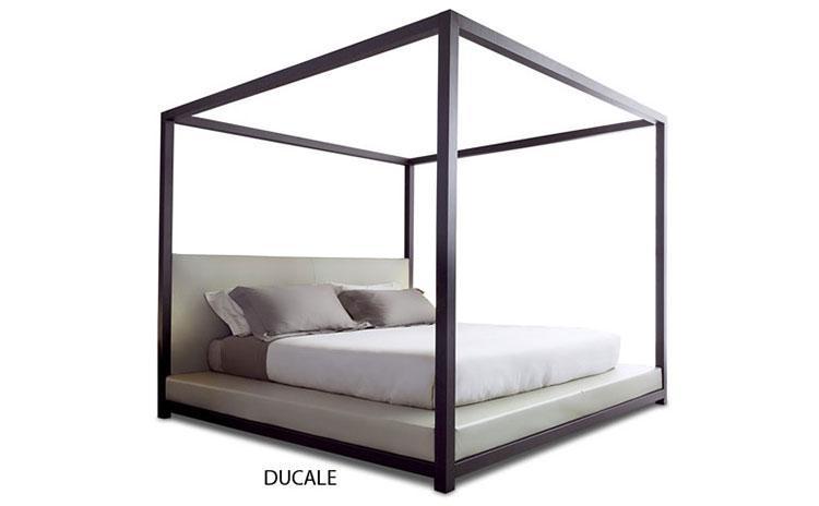 Modello di letto a baldacchino dal design moderno n.06