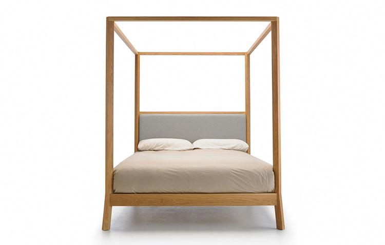 Modello di letto a baldacchino dal design moderno n.12