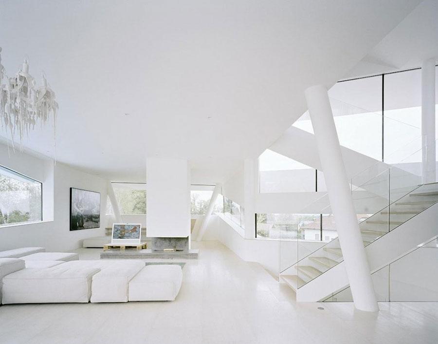 Idee per arredare un soggiorno bianco dal design moderno n.08