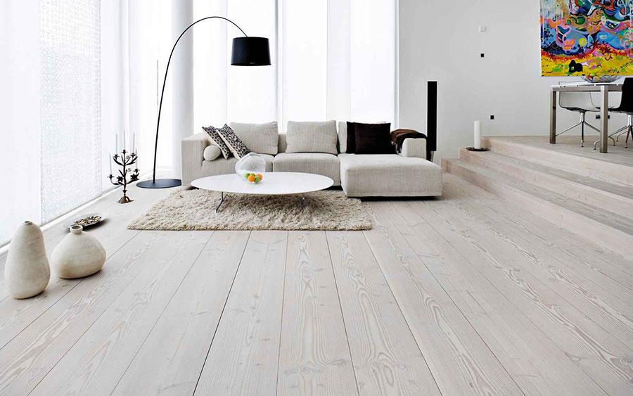 Idee per arredare un soggiorno bianco dal design moderno n.09