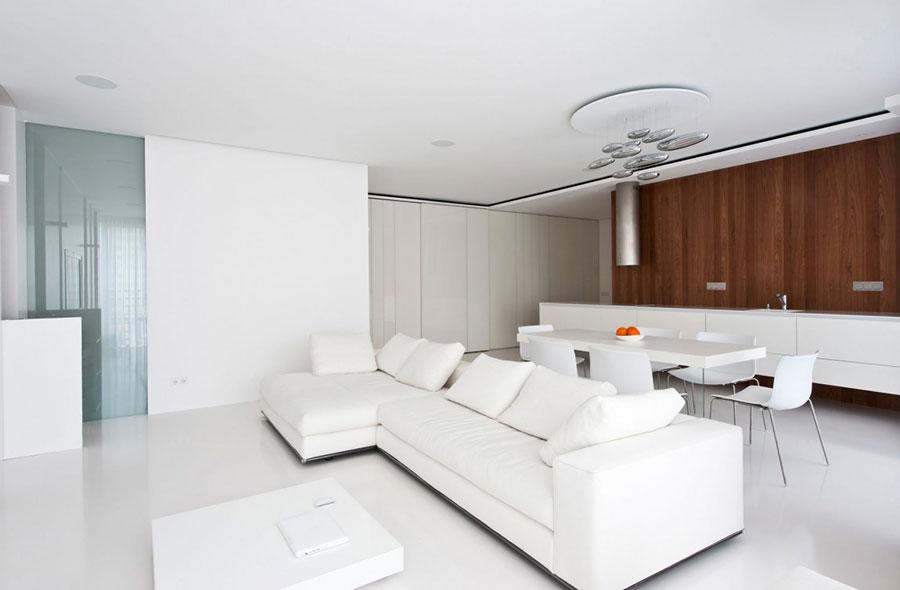 Idee per arredare un soggiorno bianco dal design moderno n.16