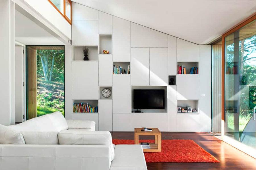 Idee per arredare un soggiorno bianco moderno 03