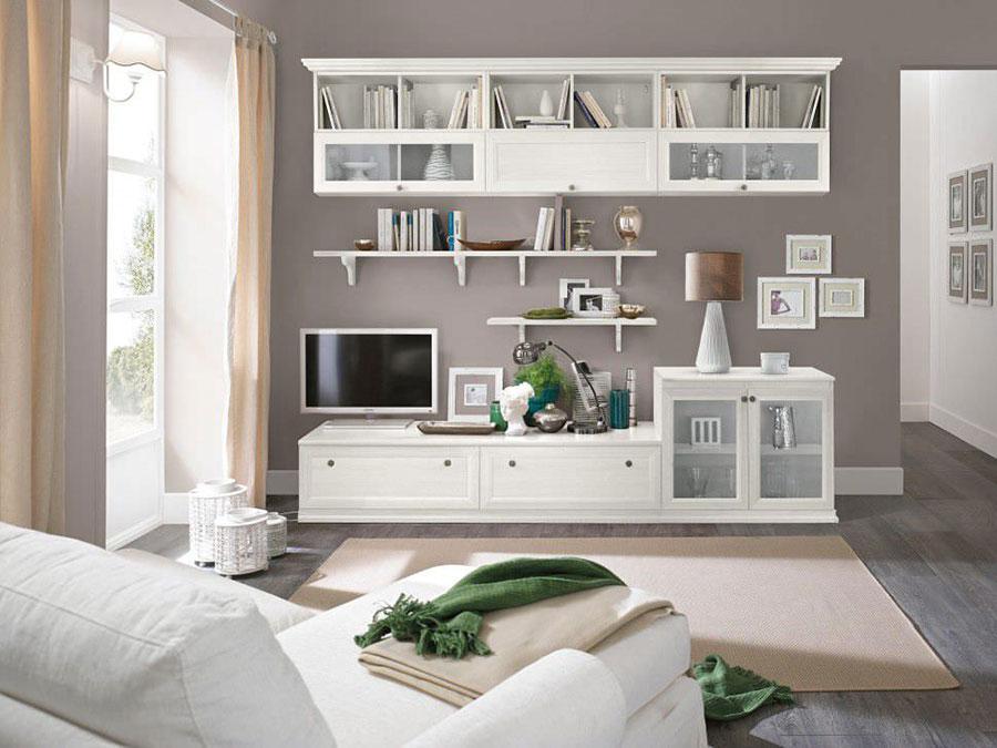 Idee per arredare un soggiorno classico bianco n.09